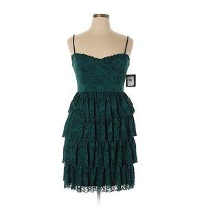 🧡 NWT Marina Ruffle Lace Emerald Green Dress